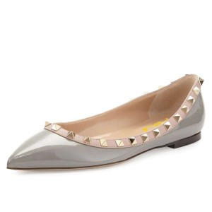 Grey Pointy Toe Flats Chaussures confortables avec rivets