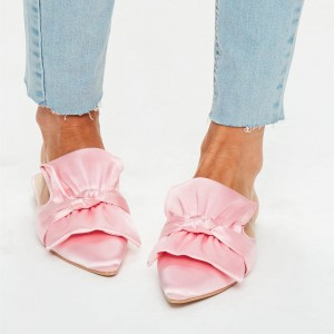 Mules plates à noeud en satin rose