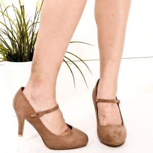 Chaussures en daim marron Mary Jane à bouts ronds